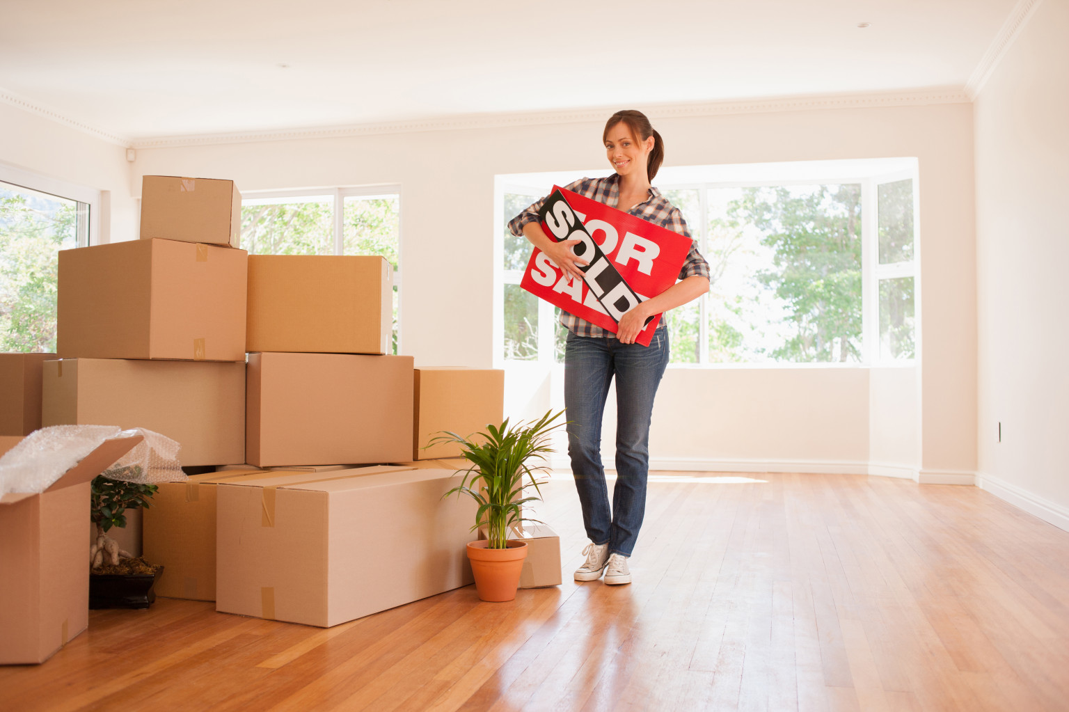 o-WOMAN-MOVING-HOUSE-facebook
