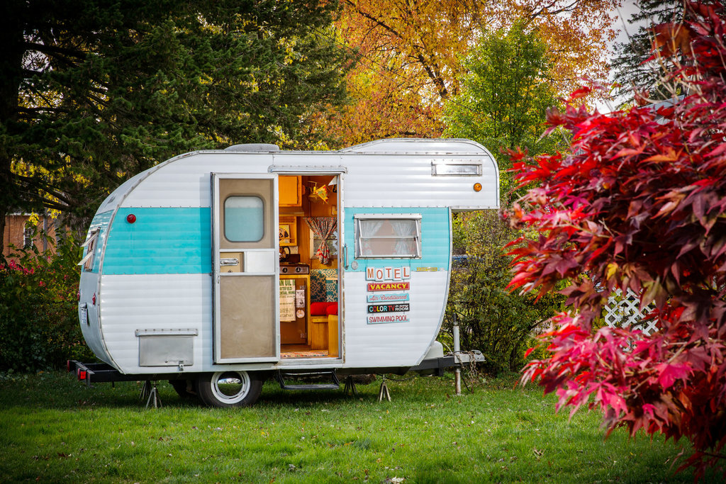 Classic Camper Craze Exploring The Backyard Trailer Trend